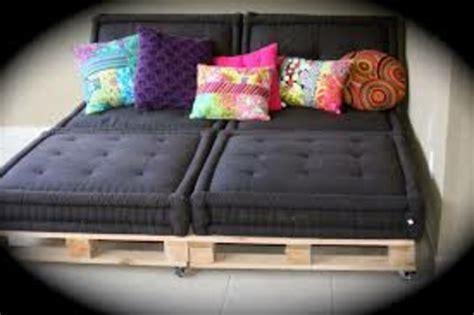 coussins de canap coussin pour canape noir 28 images coussin pour canap