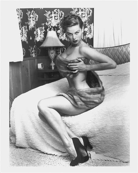 """THE TOWERING 5'10"""" BEAUTY IRISH MCCALLA 