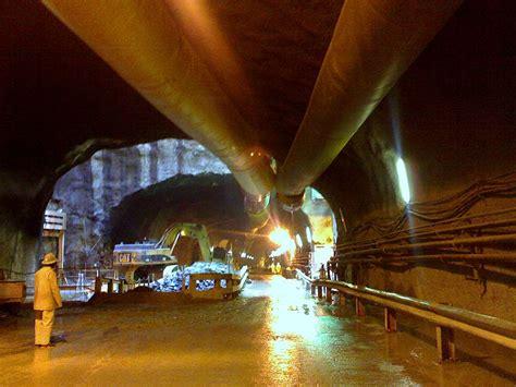 Fileinside Johannesburg's Gautrain Tunneljpg  Wikimedia Commons