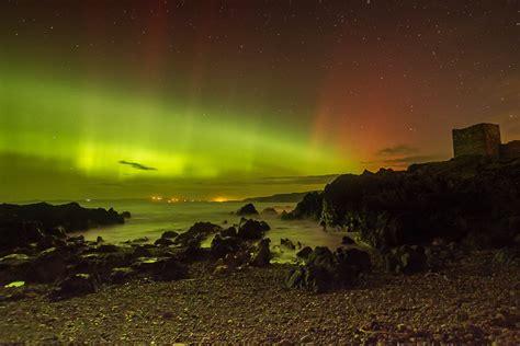 ireland northern lights inishowen photographer captures stunning images of the