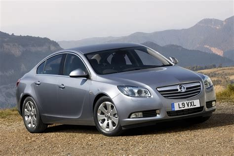 vauxhall insignia opel vauxhall insignia range gains refined and cleaner