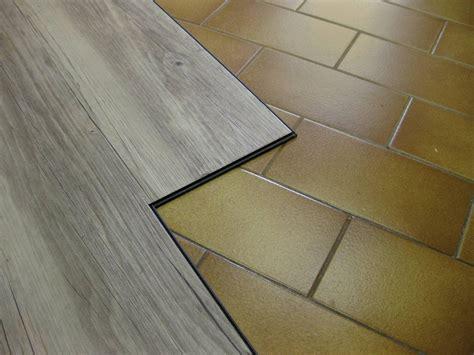 come posare un pavimento in pvc posare da soli il pavimento in vinilico effetto parquet