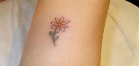 Kleine Blumen Tattoos