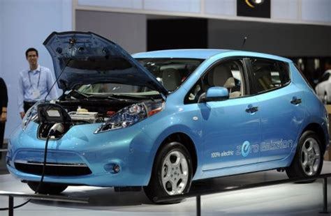 Nissan Hopes Zeroemission Leaf Will Electrify Drivers