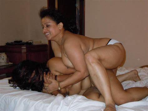 Indian Aunty Ke Saath Lesbian Sex Desi Porn Images
