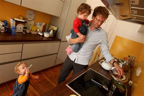 democrats push parental leave  federal workers  news