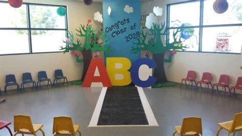diy graduation backdrops for photos diy preschool 556 | 5d7148b7eb1934fe9c53acc1a4913d1d