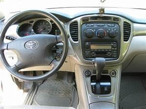 2003 Toyota Highlander - Pictures