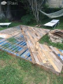 patio deck out of 25 wooden pallets pallet ideas 1001 pallets