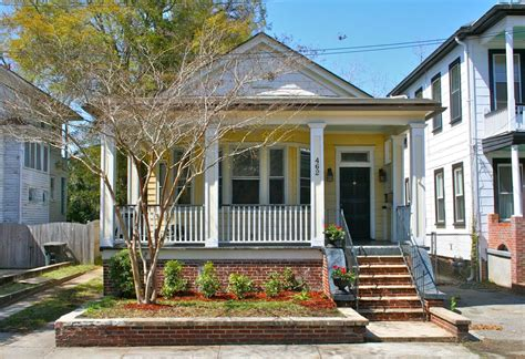 Classic 1930s Bungalow At 462 Huger St Charleston, Sc In