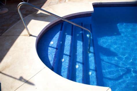 escalier piscine b 233 ton forme type de marches prix ooreka