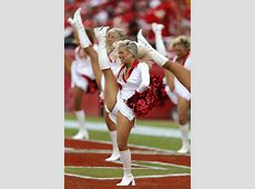 27 Photos Of The Beautiful NFL Cheerleading Squads