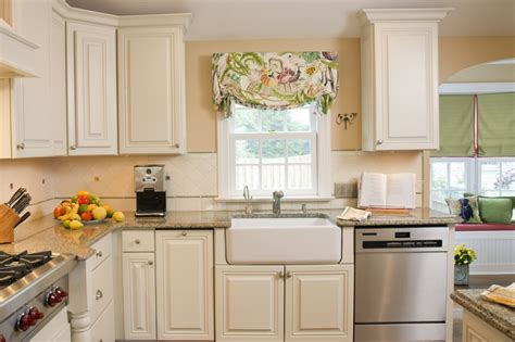 ideas for painting a kitchen the ideas in painting kitchen cabinets silo