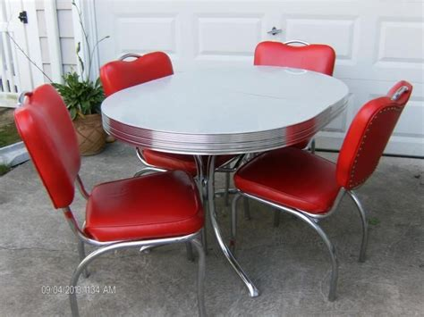 pin  bob arth  buying  house retro kitchen tables