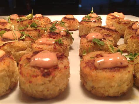 crab cake appetizer mini crab cakes yum appetizers snacks