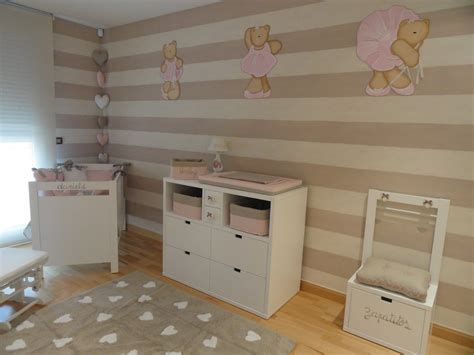 tapis chambre bebe fille chambre taupe et beige