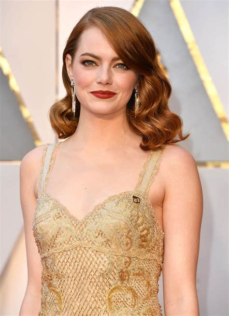 Emma Stone wins Best Actress at the 2017 Oscars