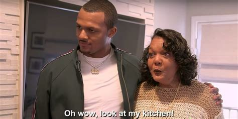 deshaun watson surprises mom  home renovation