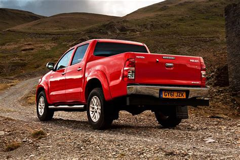 Review Toyota Hilux by Toyota Hilux Review 2005 2016 Parkers