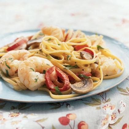 The secret is in keeping the recipes simple, or even learning some by heart and using the ingredients that are already in your fridge. Easy Dinner Tonight Recipe Ideas   MyRecipes
