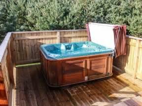 log cabin tub breaks uk log cabin with tub in shrewsbury callow lodge 2