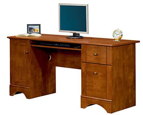 74 99 reg 200 realspace dawson 60 computer desk