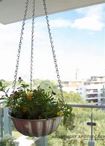 DIY hanging basket made from vintage jelly mould www