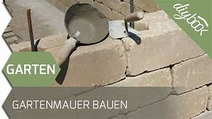 Freistehende Mauer Bauen : gartenmauer selber bauen die betonsteinmauer youtube ~ A.2002-acura-tl-radio.info Haus und Dekorationen