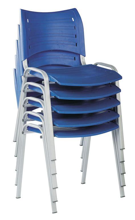 chaise en plastique chaise en plastique chaise plastique sur enperdresonlapin