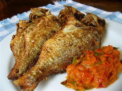 The best ikan goreng krispi recipe recipe per portion 50 gr ikan dori / nila fillet 1/4 sdt sajiku ikan goreng 1 kg terigu cakra. Memasak Ikan Goreng ~ Curhat Q