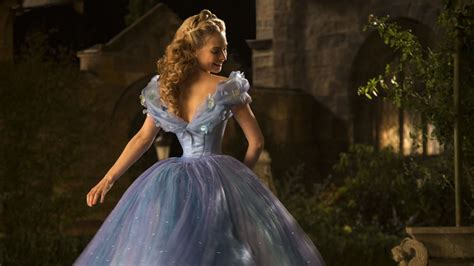 Cinderella (2015) Movie Review, Trailer, Pictures & News