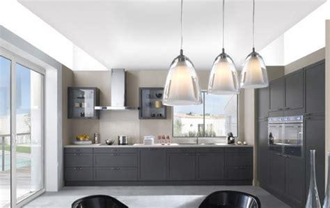 cuisine repeinte en gris cuisine aménagée gris anthracite
