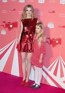 Natalia Vodianova et sa fille Neva Portman à la soirée ...