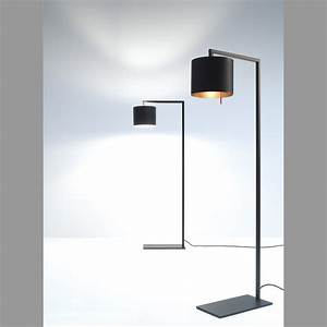 Stehlampe Brauner Schirm : stehlampe afra von anta in schwarz schirm innen goldfarben ~ Markanthonyermac.com Haus und Dekorationen