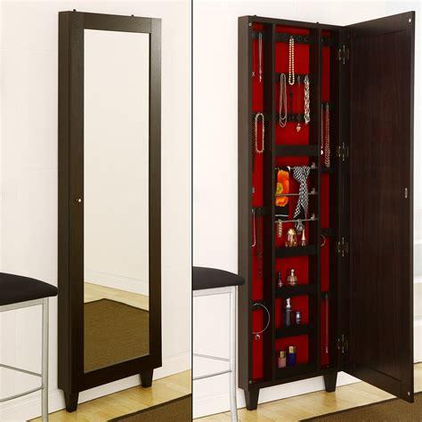 enitial lab idi  jada wall mirror  jewelry holder