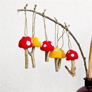 Basteln Mit Kleiderbügeln : filz pilz ornaments mit bindf den kleiderb geln von bal s werken zeichnen technisches werken ~ Frokenaadalensverden.com Haus und Dekorationen