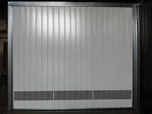 portes de garage basculantes 101 ventiles les actualites With grille aeration porte garage