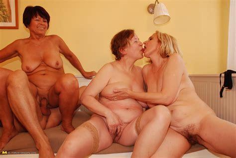 one lucky dude fucking three mature sluts