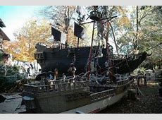 The Most Spooktacular Halloween Houses in New Jersey