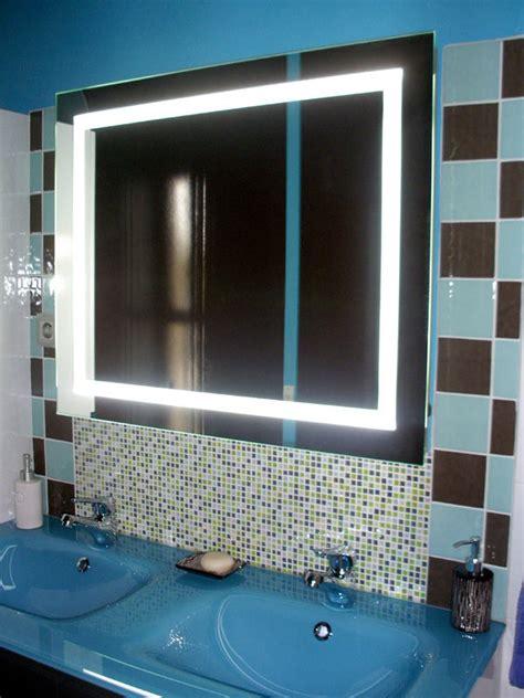 salle de bain bleu turquoise et marron