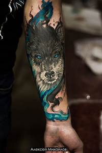 Tattoo realism and watercolor wolf : tattoo