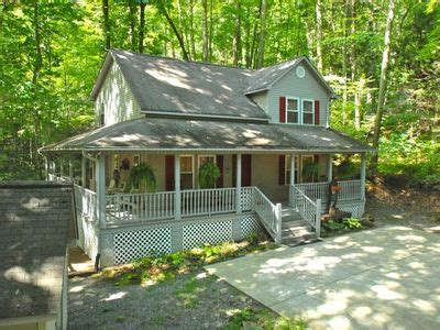 Maggie Valley Cabin Rentals With Tub by Creek Side Cabin To Everything Vrbo