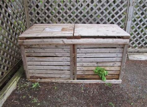 ideas   wooden pallet compost bin  pallets
