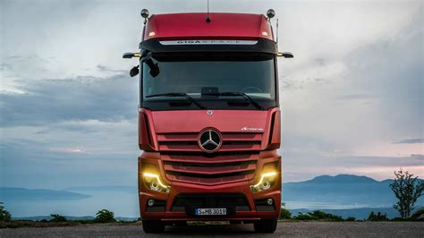 mercedes actros   efficient replaces mirrors