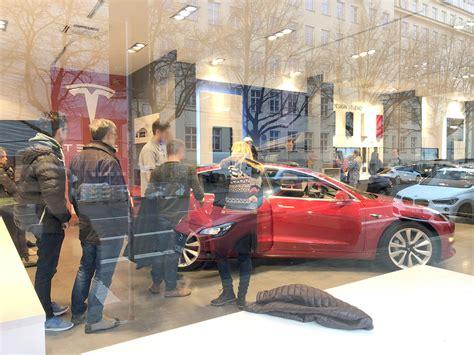 Get Buy Tesla 3 Germany Gif