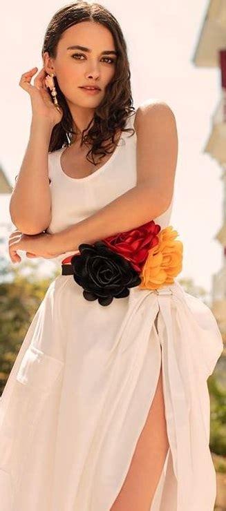 Hande soral was born on 02 february 1987 in bursa, turkey. Hande Soral Kimdir - Hande Soral Biyografi