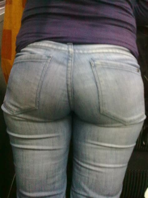 Voyeuy  Jeans – Tight Pants – Candid Ass – Street