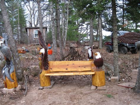 hand  eagle bench  woodworks chainsaw carving