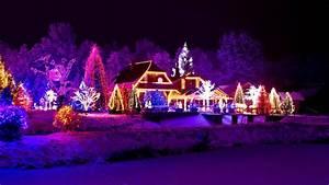 Beautiful Christmas House Night Lights HD Wallpaper ...