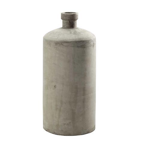 vase en beton gris clair   cm vermont maisons du monde